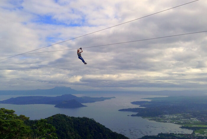 View 360 degrees at the Sky Ranch in Philippines