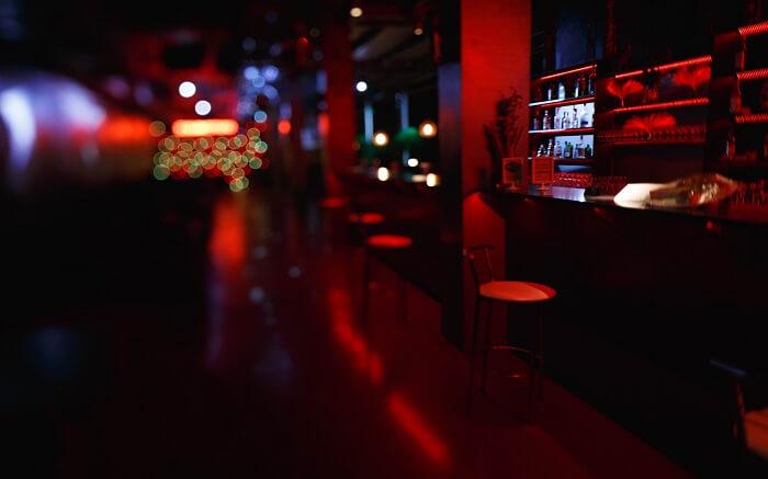 acj-0406-nightlife-in-russia (8)