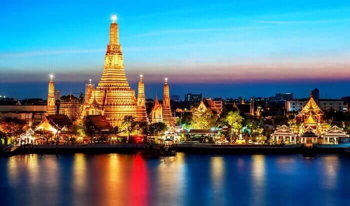 bangkok at night in august