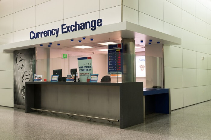 exchange the currency at airport
