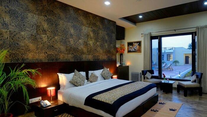 jungle vilas room