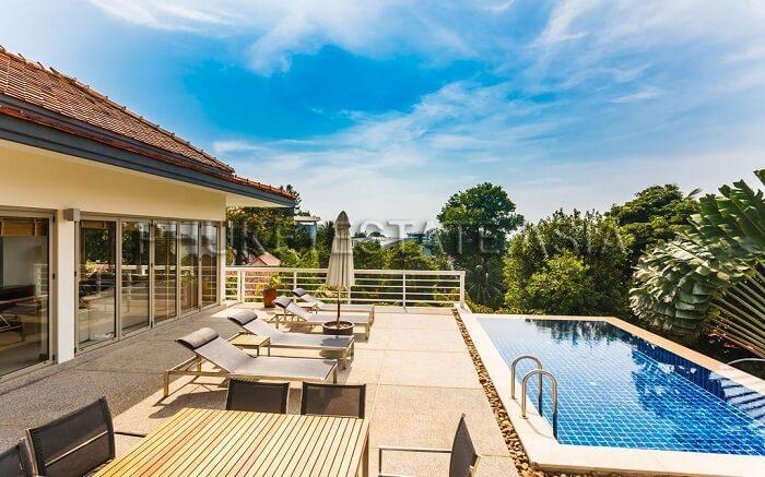 outdoor pool and sundecks at Katamanda Luxury Villas ss