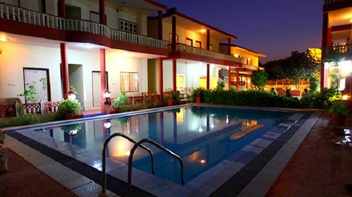 pool in tiger resort