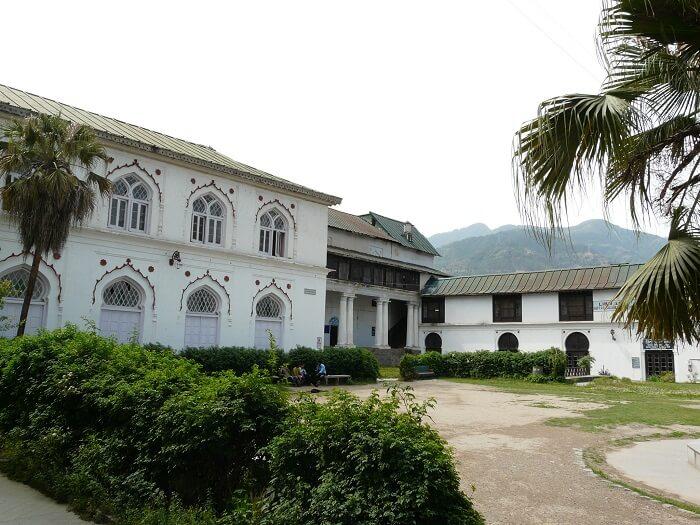 premises of Chandi Palace