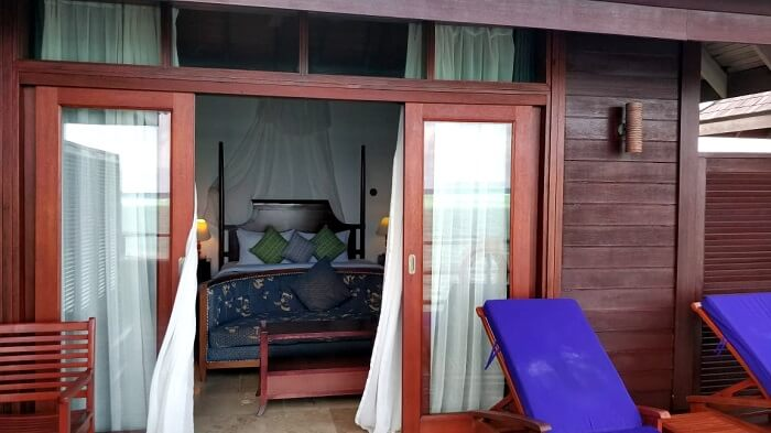 olhuveli resort villa