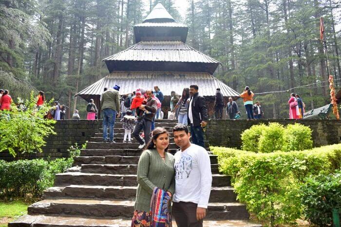 couple in india tourist park