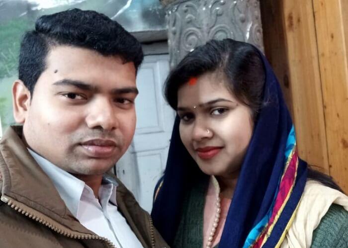 couple outside naggar castle