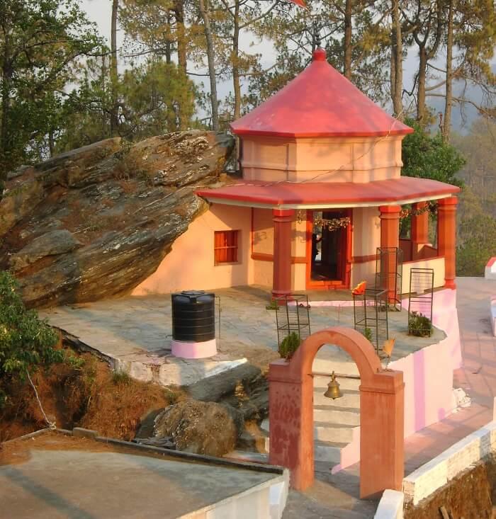 temple in almora