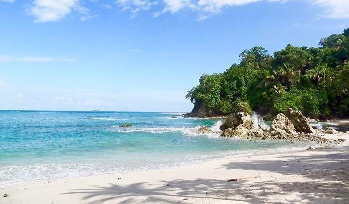 Manuel_Antonio_National_Park_Beach