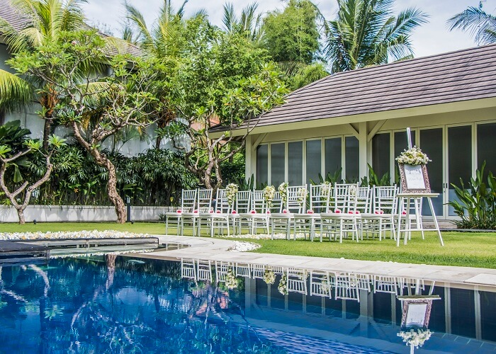 beautifully landscaped area and impeccable service