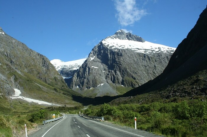 New_Zealand_Milford_Sound_Road