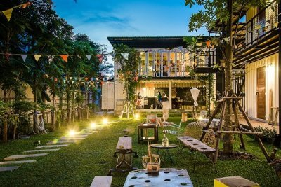 The Yard Hostel Bangkok