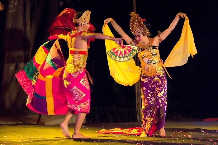 Watch traditional dance performances at The Cambodian Living Arts phnom penh