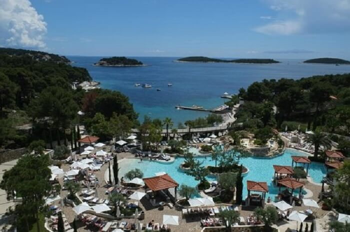acj-0507-croatia-beach-resort (7)