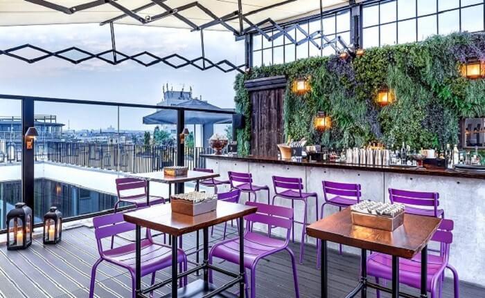 rooftop restaurant in hotel zoo