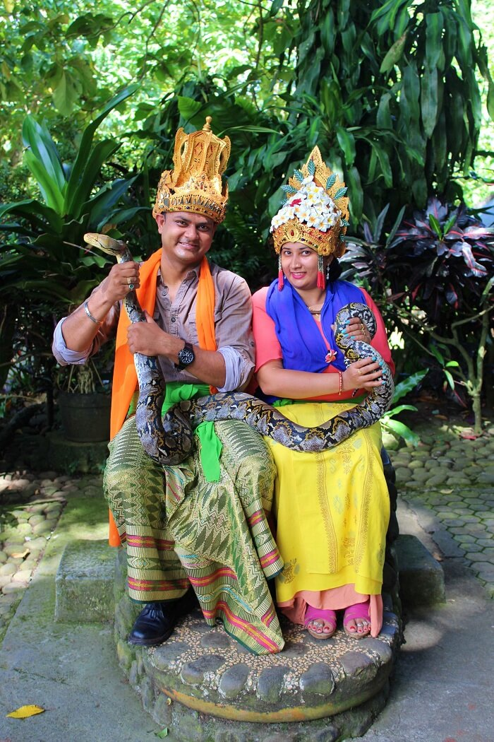 couple in traditional attire at Taman Ayun Temple
