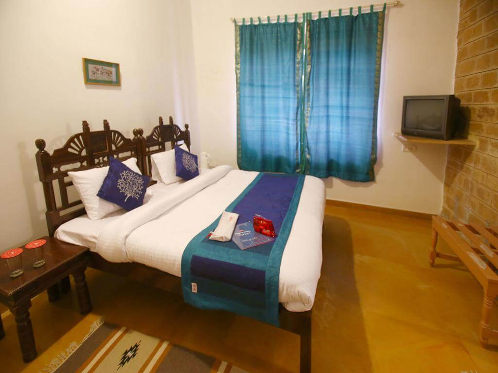 a two star home stay and provides all the amenities