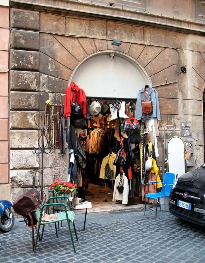 Governo Vecchio Street