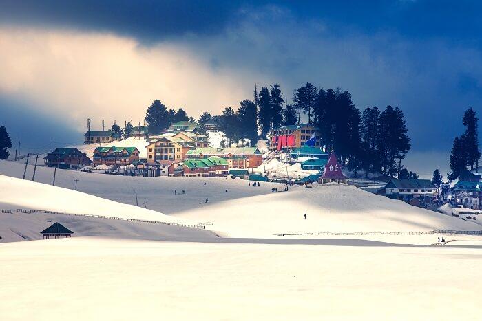 gulmarg snow kashmir