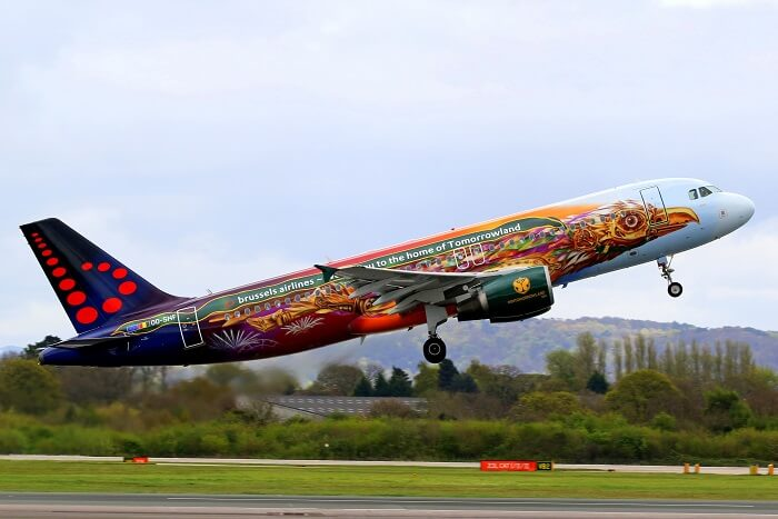 tomorrowland plane
