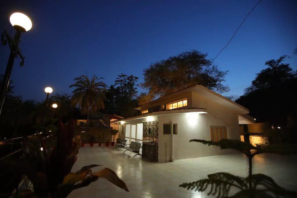 an elegant and cozy villa in Mount Abu