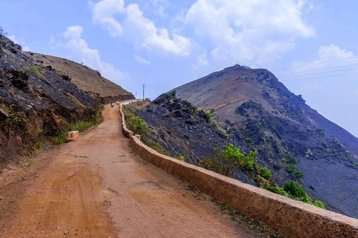 mullayanagiri trek itinerary to follow