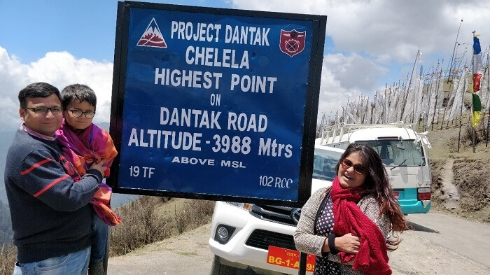 rohit bhutan family trip travelogue chele la pass