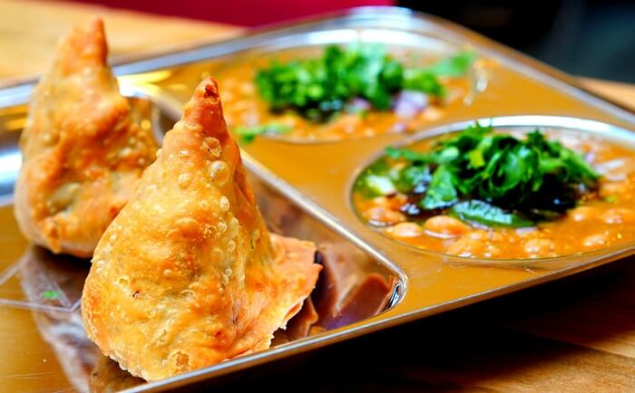 Samosa with chhole