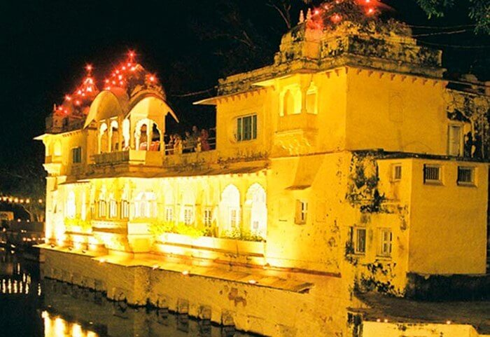 Summer retreat for rulers of Bundi