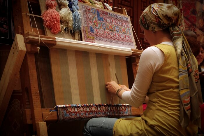 carpet weaving in Abu dhabi