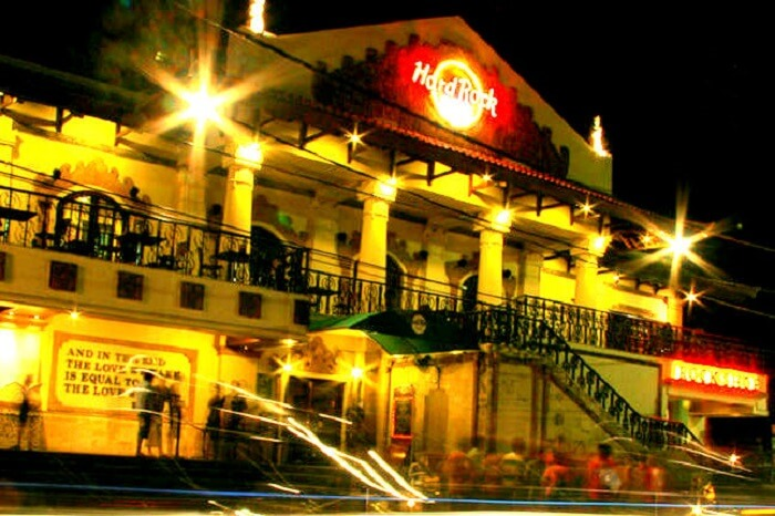 outside view of Hard Rock Cafe