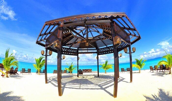 Wooden structure at Kapalai Island