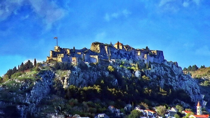 witnessing the collection of swords at the Klis Fortress