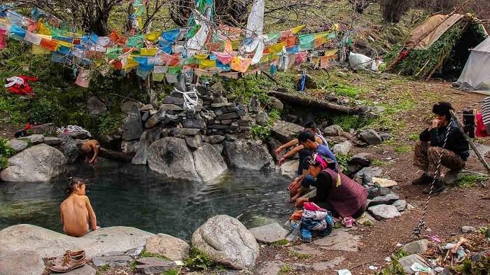 Koma Tsachu water springs