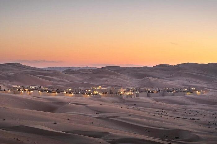Qasr Al Sarab Desert Resor,