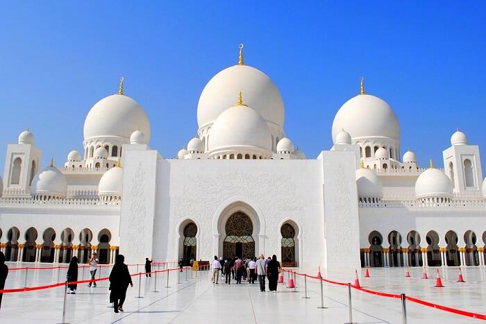 Sheikh Zayed Mosque Dress Code