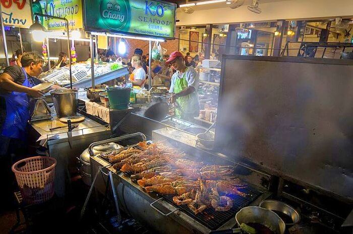 Wander about the Hua Hin Night Market