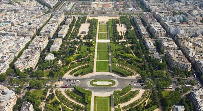 Parc du Champs-de-Mars in Paris