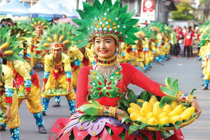 extraordinary festival