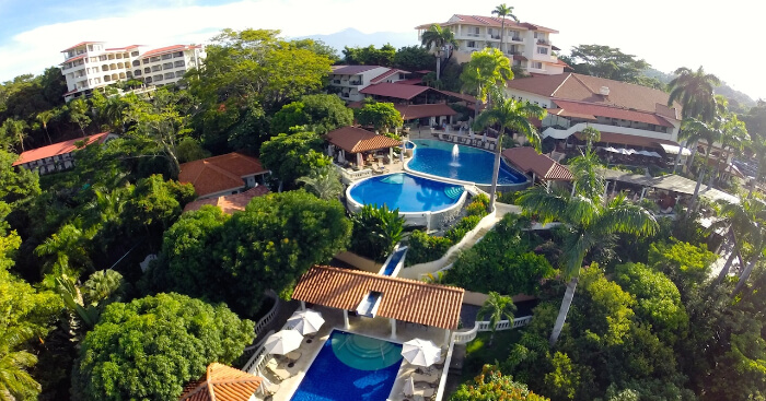 explore some best resorts in costarica
