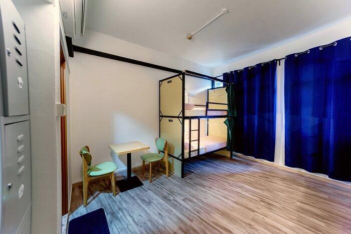 cheap hostel in Singapore