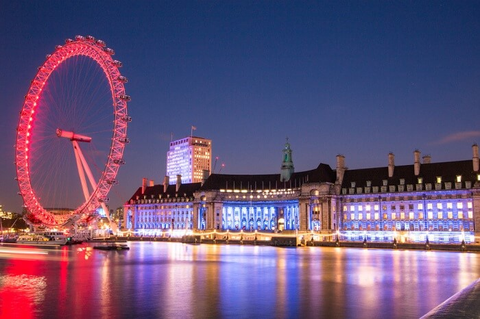 popular wheel offers a panoramic view of London