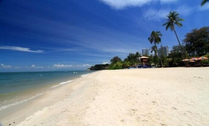 beach setting is beautiful