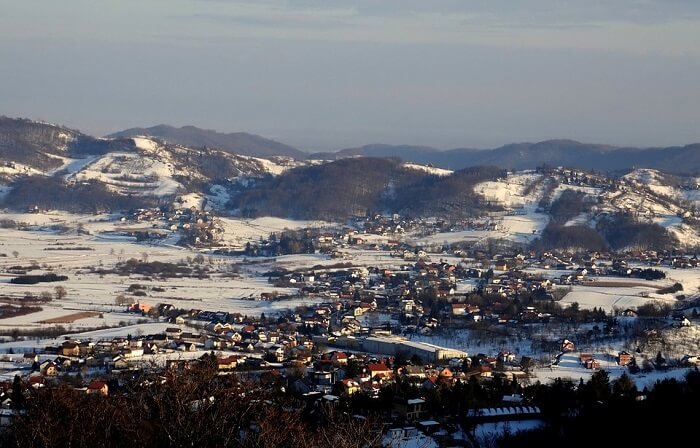 witness the glory of the ruins of Samobor Castle