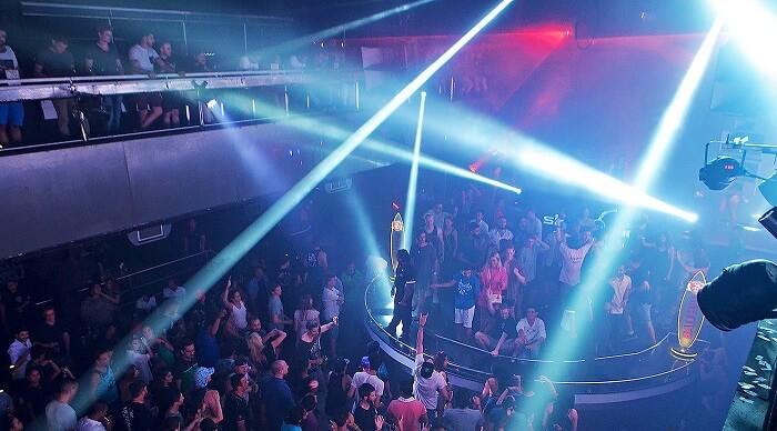Skydome club