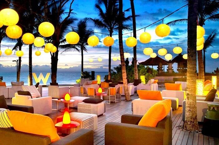 hanging lanterns sunset view in woo bar