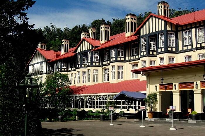 1200px-Grand_Hotel_Nuwara_Eliya_026