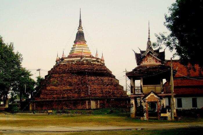 Wat Ratchaburana Temple Phitsanulok