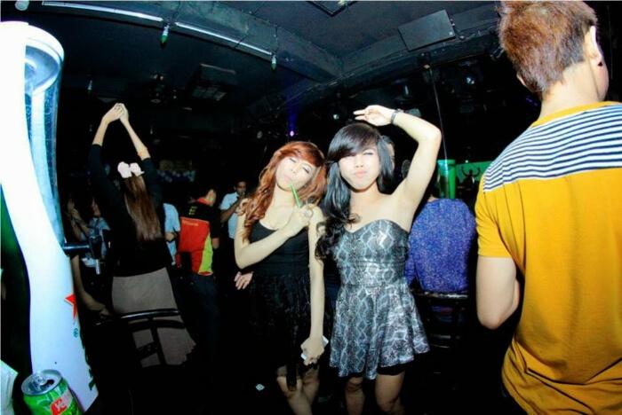 girls enjoying and dancing
