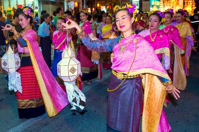 Dance in Loy Krathong